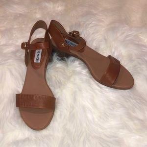 Women's Steve Madden 9.5 brown heels/shoes